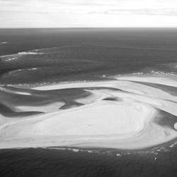 banc d'arguin, vu du ciel, noir et blanc, nouvelle aquitaine, bassin d'arcachon, krystyne ramon
