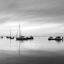 bateaux lever du jour , noir et blanc, bassin arcachon, krystyne ramon