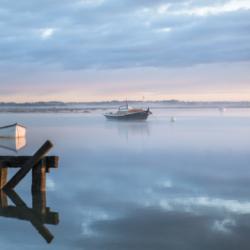 bateau pinasse dans le brouillard, bassin arcachon, krystyne ramon