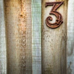 n°3 sur porte