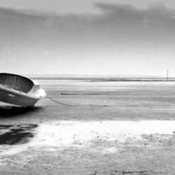 pinasse en noir et blanc, marée basse, bassin arcachon, krystyne ramon